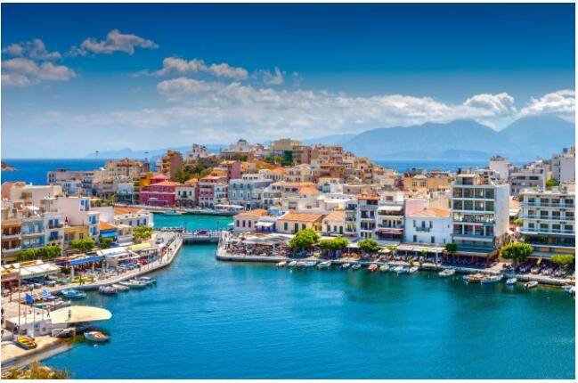 FLIGHTS, ACCOMMODATION AND MOVEMENT IN CRETE