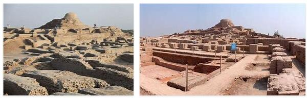 Ruined City of Mohenjo-Daro (World Heritage)